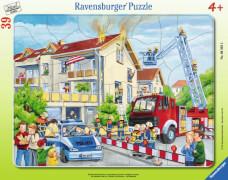 Ravensburger 63932 Rahmenpuzzle Die Feuerwehr rückt aus, 39 Teile